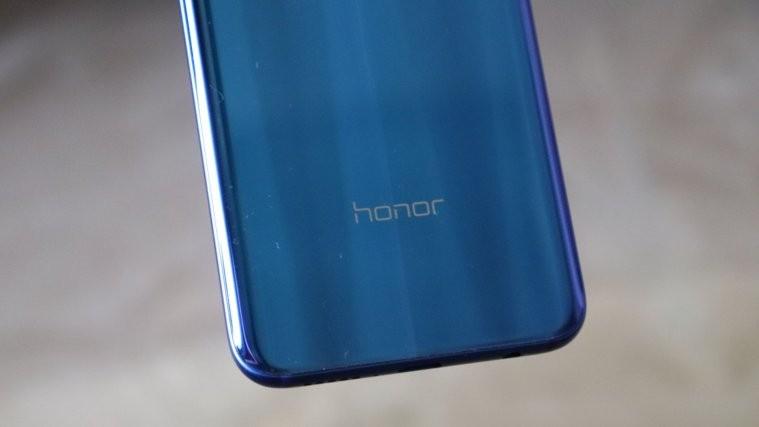 Honor 10 vs OnePlus 6T