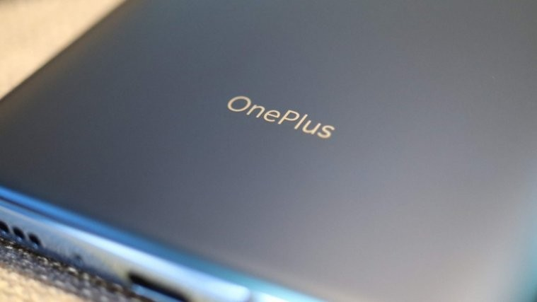 OnePlus Android Q update`
